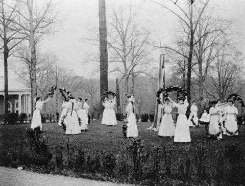 786px-National-Park-Seminary-May-Day-1907.jpg